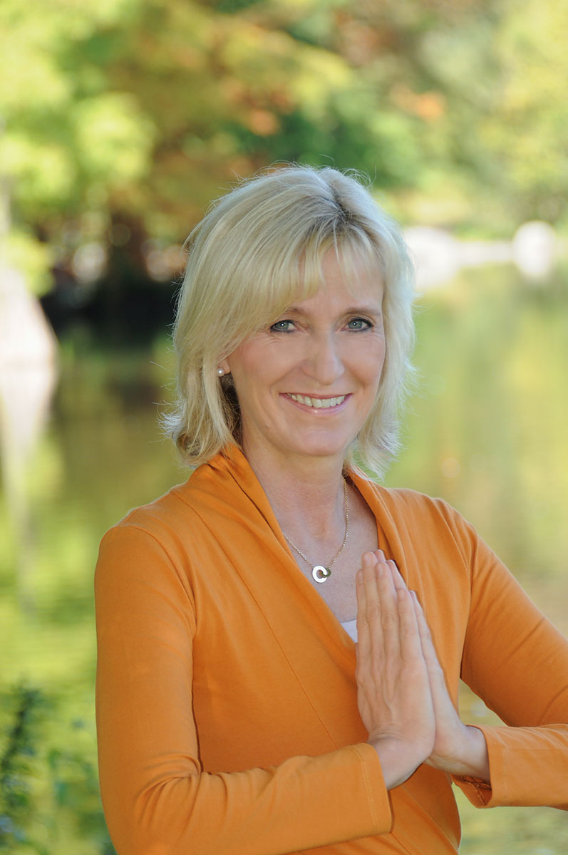 Fotografie-Marion-Mutschler-Portrait-Frau-Joga-Coach-Natur-01